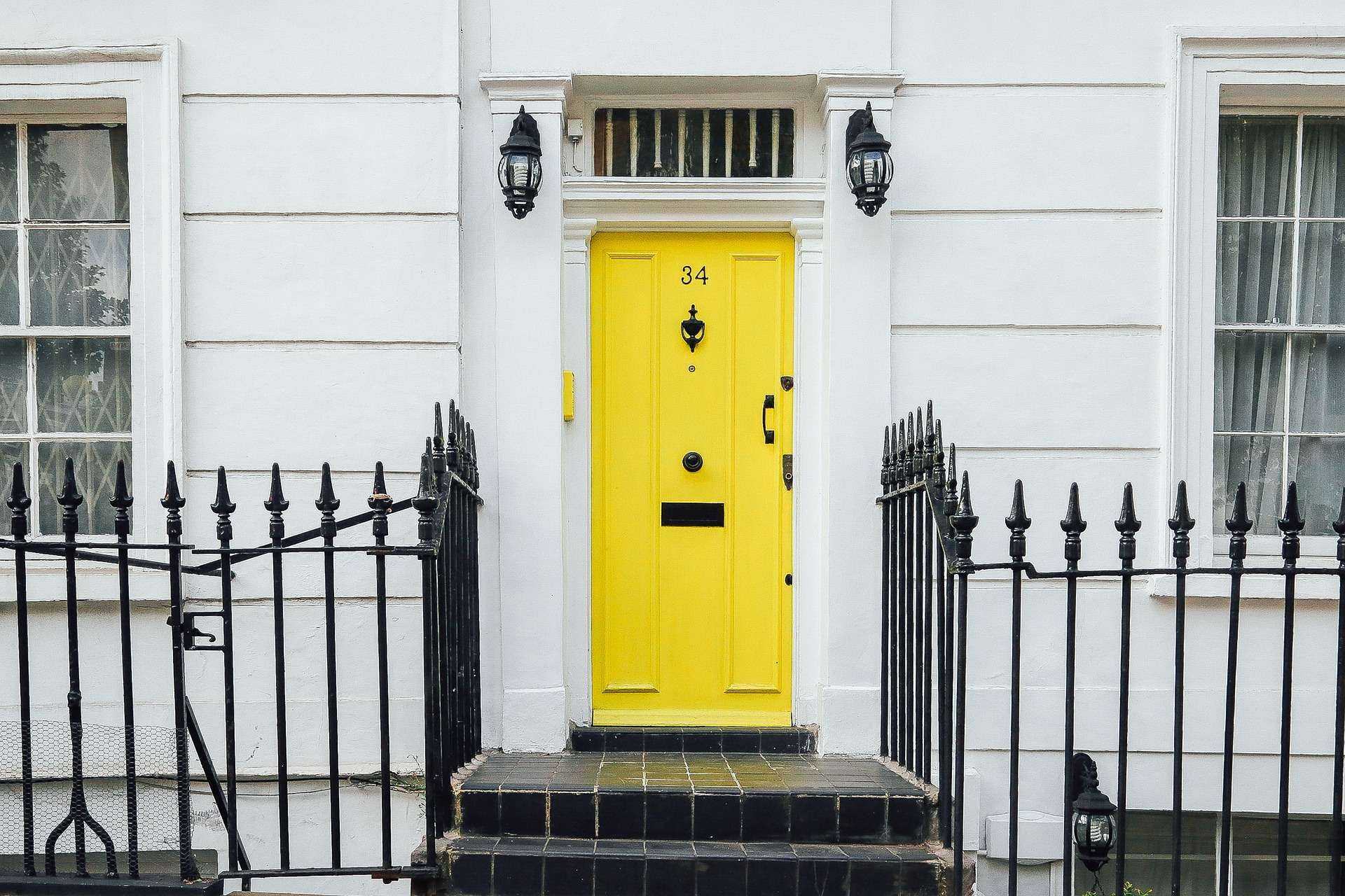 yellow door step